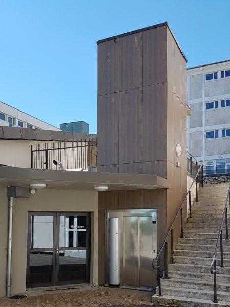 Installation d'un ascenseur au lycée Jean François  Millet de Cherbourg (50)