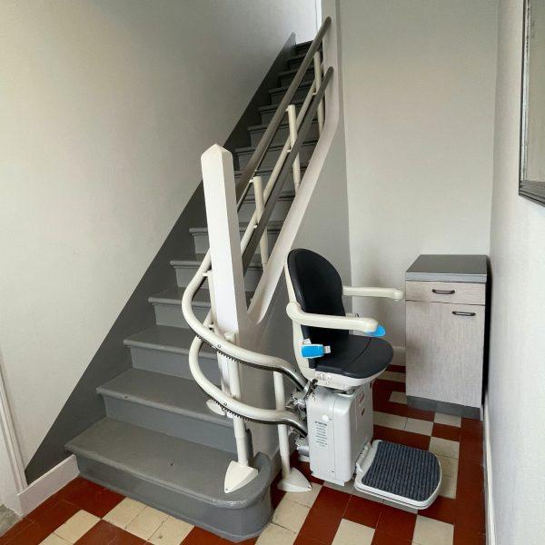 Monte-escalier au rez-de-chaussée